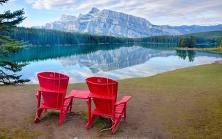 عکس زیبا 2 نفره عشقولانه لب دریاچه زیبا