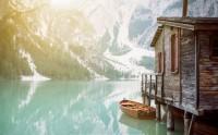 عکس رویایی کلبه و قایق زیبا گالری عکس