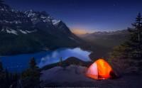 یک شب پر ستاره رویایی و دل انگیز در چادر