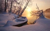 عکس زیبای قایق برف گرفته