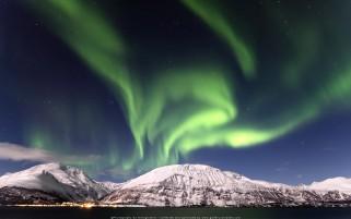 عکس حرفه ای شفق شمالی نروژ