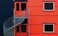 عکس کیفیت بالا زیبا خانه قرمز