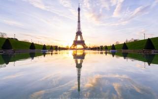 عکس طلوع خورشید برج ایفل در پاریس فرانسه