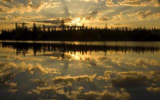 غروب دریاچه بزرگ