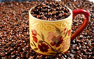 فنجان پر از قهوه