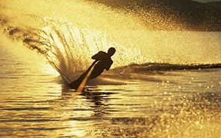 اسکی روی آب،غروب طلایی