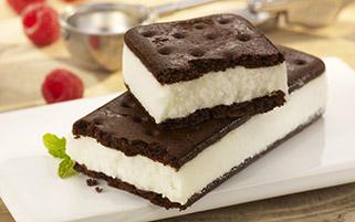 بستنی ساندویجی وانیلی