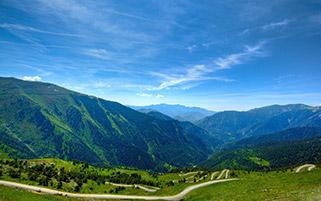 جاده کوهستانی مارپیچی