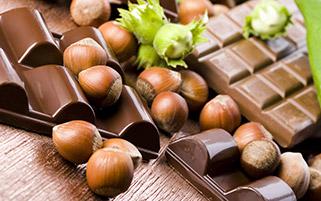 شکلات فندوقی