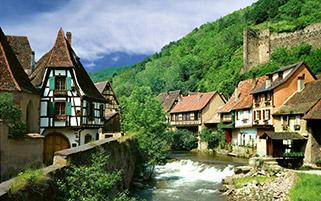 روستای کایسربرگ در بهار