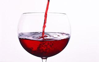 نوشیدنی قرمز